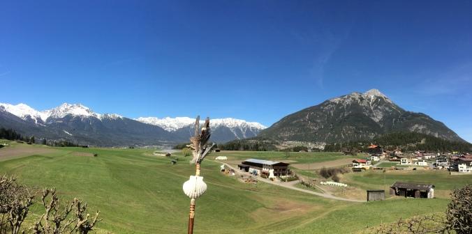 Der Blick auf die Berge um die Bezirkshauptstadt Imst